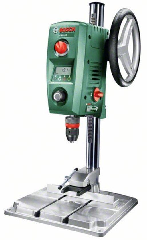 Bosch PBD 40 Kolomboor - 710 Watt - Dubbeltoerige aandrijving - Eenvoudig aflezen van de nauwkeurige boordiepte dankzij het innovatieve digitale display