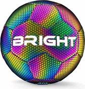 Top 10 Top 10 beste voetballen (2021): The BRIGHT™ Lichtgevende Voetbal | Reflecterend | Holografisch | Glow in the Dark | Kinderen en Volwassenen | Unisex | Wit/Zwart/Roze/Blauw/Geel | Maat 5